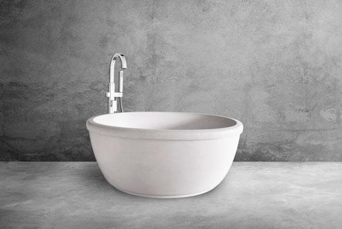 Soaking Bathtub Minimalist